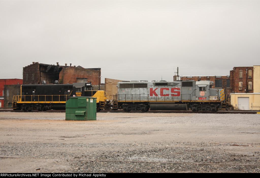 KCS 2841 and WAMX 7025